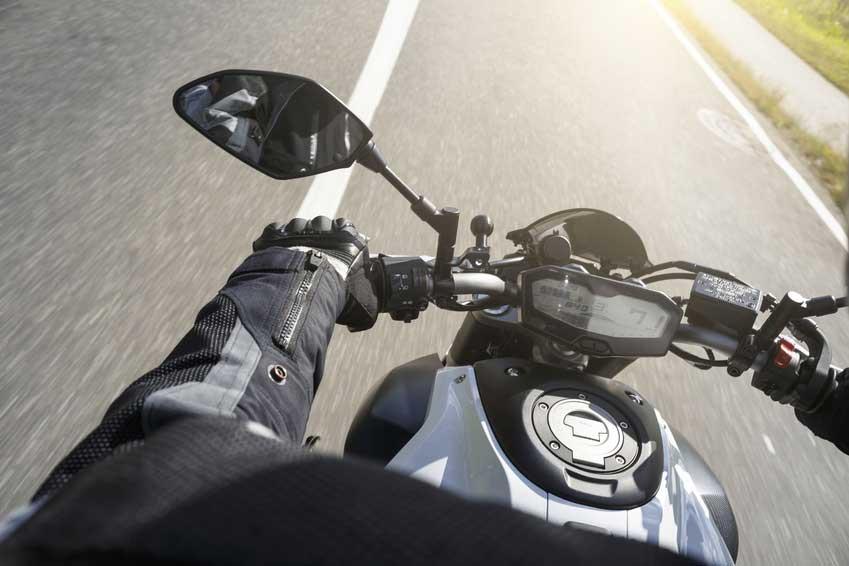 Conséquence de la limitation de vitesse à 80 km/h sur les routes en moto