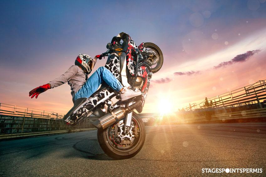 Rodéo à moto ou cross bitume : quels sont les risques ?