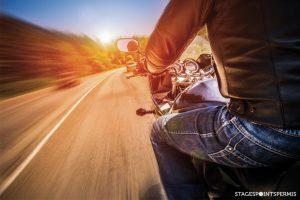 Améliorer sa visibilité à moto
